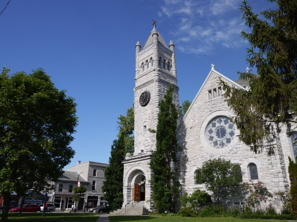 St. Andrew's sanctuary was erected in 1822 at the corner of what is now Princess and Clergy Streets. After a fire, this second sanctuary was completed in 1890.