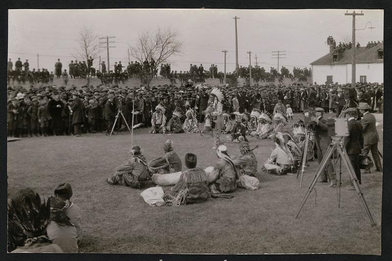 Crowd facing Sir Robert Kindersley. ca 1920