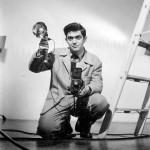 Stanley Kubrick als Fotograf für das LOOK Magazin, um 1949. Foto: Jacques Kubrick