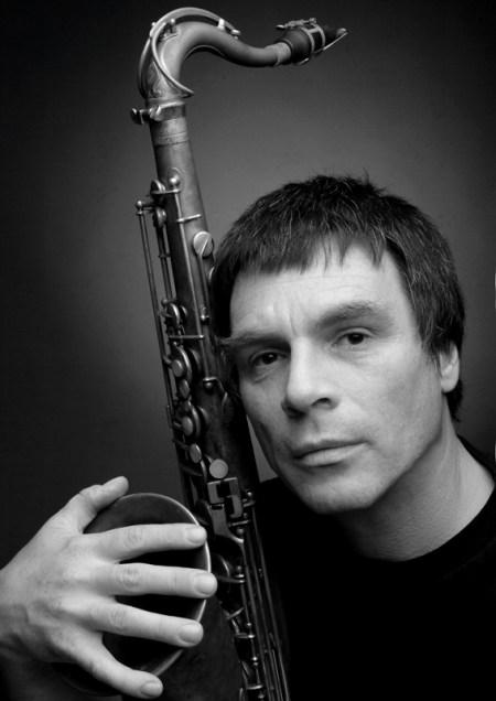 Le saxophoniste Yannick Rieu