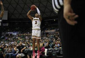 JAMM AQUINO / JAQUINO@STARADVERTISER.COM                                 Hawaii guard Eddie Stansberry made the game-winning 3-pointer.