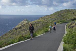 CRAIG T. KOJIMA / 2018                                 Hikers, runners and tourists on Makapuu Lighthouse trail.