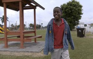 ASSOCIATED PRESS / JAN. 13, 2009                                 Then 10-year-old Damon Weaver walks in a park near his home in Pahokee, Fla., in 2009. Weaver gained national acclaim when he interviewed President Barack Obama at the White House in 2009. Weaver, 23, died of natural causes on May 1, his family says.
