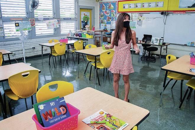 Hawaii's public school teachers return to the classroom