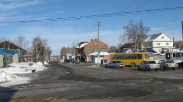 автобусная остановка в центре фотографии старая майна ульяновской области