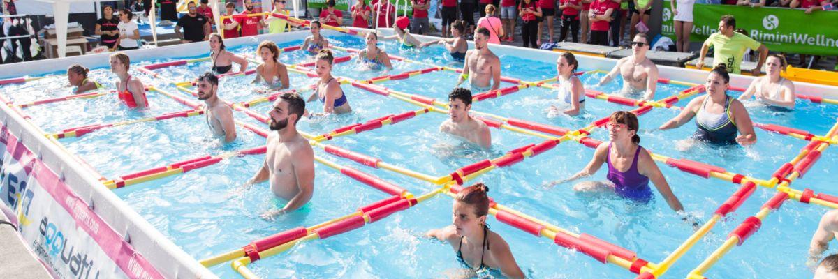 Dimagrire brucia i grassi in piscina