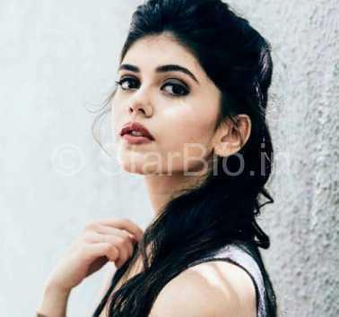 Sanjana Sanghi Height, Weight, Age, Biography, Wiki, Boyfriend, Family