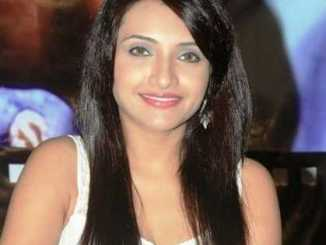 Zoya Khan Height, Weight, Age, Biography, Wiki, Salary, Husband, Family