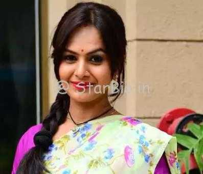 Disha Savla Height, Weight, Age, Wiki, Biography, Husband, Family