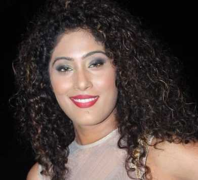 Shraddha Musale Height, Weight, Age, Wiki, Biography, Husband, Family
