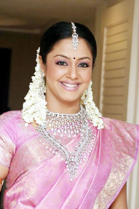 Jyothika Wiki, Age, Weight, Height, Biography, Family, Husband