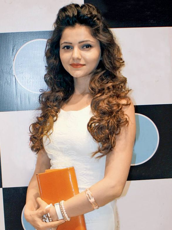 rubina dilaik height weight age salary net worth and more
