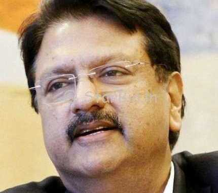 Ajay Piramal Height, Weight, Age, Wiki, Biography, Wife, Family