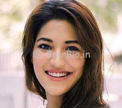 Shivani Singh Height, Weight, Age, Wiki, Biography, Boyfriend, Family