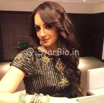 Seema Khan Height, Weight, Age, Wiki, Biography, Husband, Family