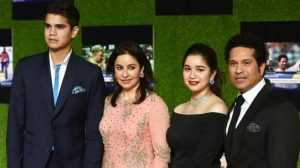 Arjun Tendulkar with mother Anjali, father Sachin and sister Sara Tendulkar