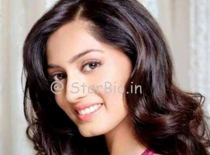 Parvati Vaze Height, Weight, Age, Wiki, Biography, Boyfriend, Family