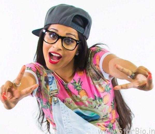 Lilly Singh Height, Weight, Age, Biography, Wiki, Husband, Family, Profile