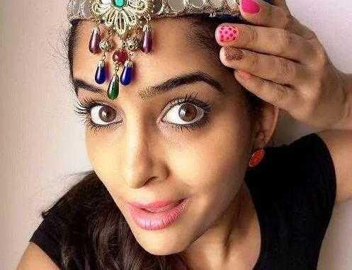Anisha Dixit (Rickshawali) Wiki, Biography, Age, Height, Boyfriend, Family