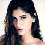 Karishma Sharma Height, Weight, Age, Biography, Wiki, Boyfriend, Family