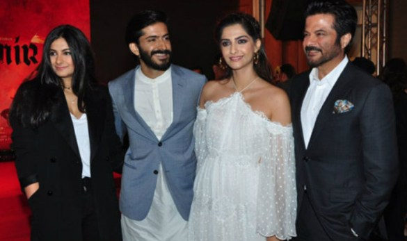 Anil Kapoor with his children
