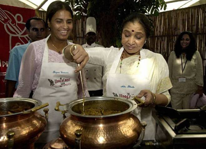 Asha Bhosle cooking