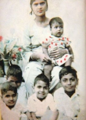 Nawazuddin Siddiqui sitting extreme right With His Mother And Siblings