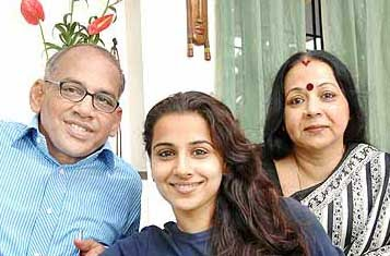 vidya Balan with her Parents