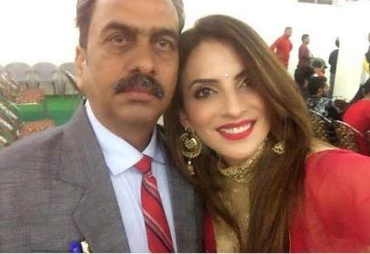 Mansi Sharma with her father