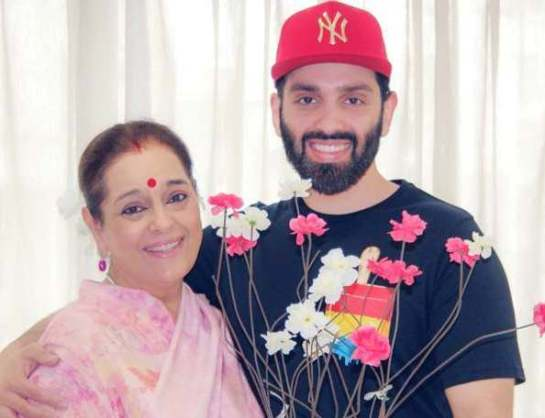 Poonam Sinha with her son Luv Sinha