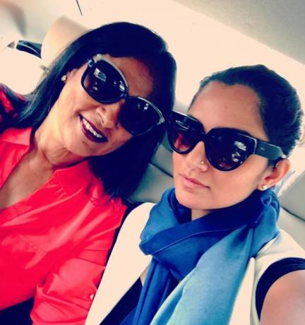 Sania Mirza with her mother