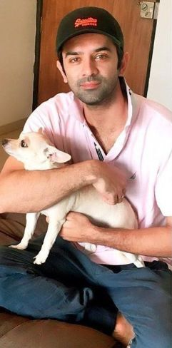 Barun Sobti loves dogs