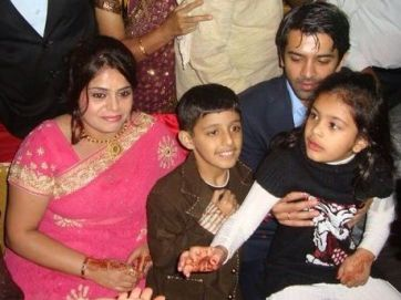 Barun Sobti with his sister
