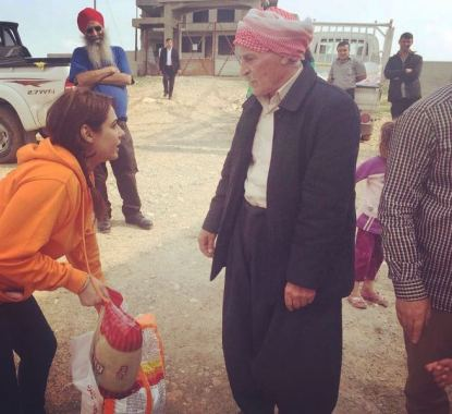 Mandy Takhar working for Khalsa aid