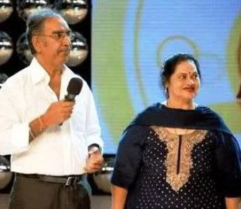 Veeru Devgan with his wife