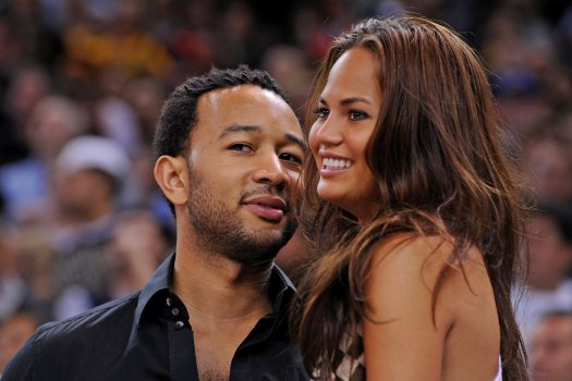 Chrissy Teigen height, weight, and body measurement