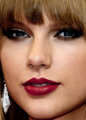 1630640596 643 Taylor Swift Biography Net Worth Height Weight Age Size Parents