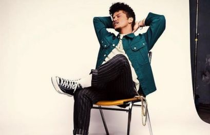 Bruno Mars in a relaxing mood