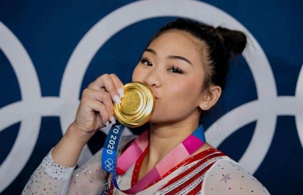Sunisa Lee with her Olympic Gold Medal