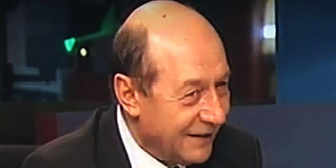 Înainte, după, pentru, contra şi despre Băsescu