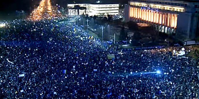 Mesaj pentru manifestanţi. Protestele continuă