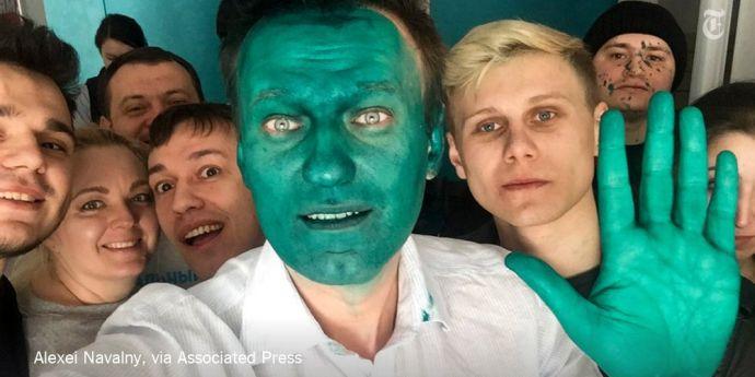 Alexei Navalnîi, disident rus, atacat cu vopsea verde în Siberia