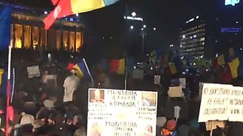 AȚI BELIT PULA , JIGODIILOR :Proteste masive urmează în jurul fortăreţei Palatului Parlamentului Protestele