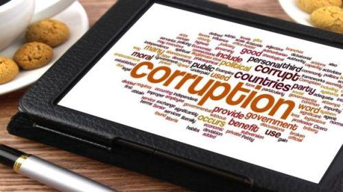 Iohannis a promulgat dezincriminarea conflictului de interese