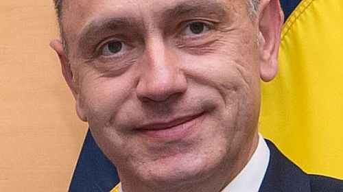 Mihai Fifor vrea să cumpere trei submarine şi patru vase de luptă