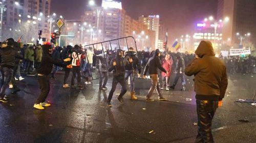 Jandarmeria şi-a cumpărat pistoale mitralieră şi lansatoare de lacrimogene