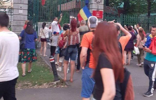 protestatarii anti-covid