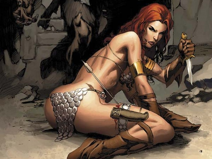 Red Sonja, the definitive wearer of the chainmail bikini, demonstrating one of its drawbacks...