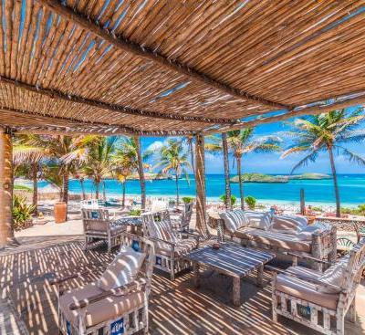 mapango-restaurant-terrace
