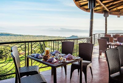 terrace-breakfast-25388C98C-F1C3-1EE2-063B-FB08D1E7B922